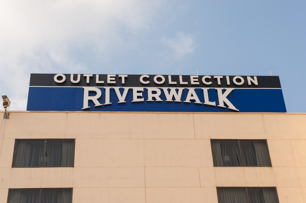 NEW ORLEANS, LA - May 22, 2014: Opening Day at the Outlet Collection at Riverwalk (photo by Adrienne Battistella, 2014)