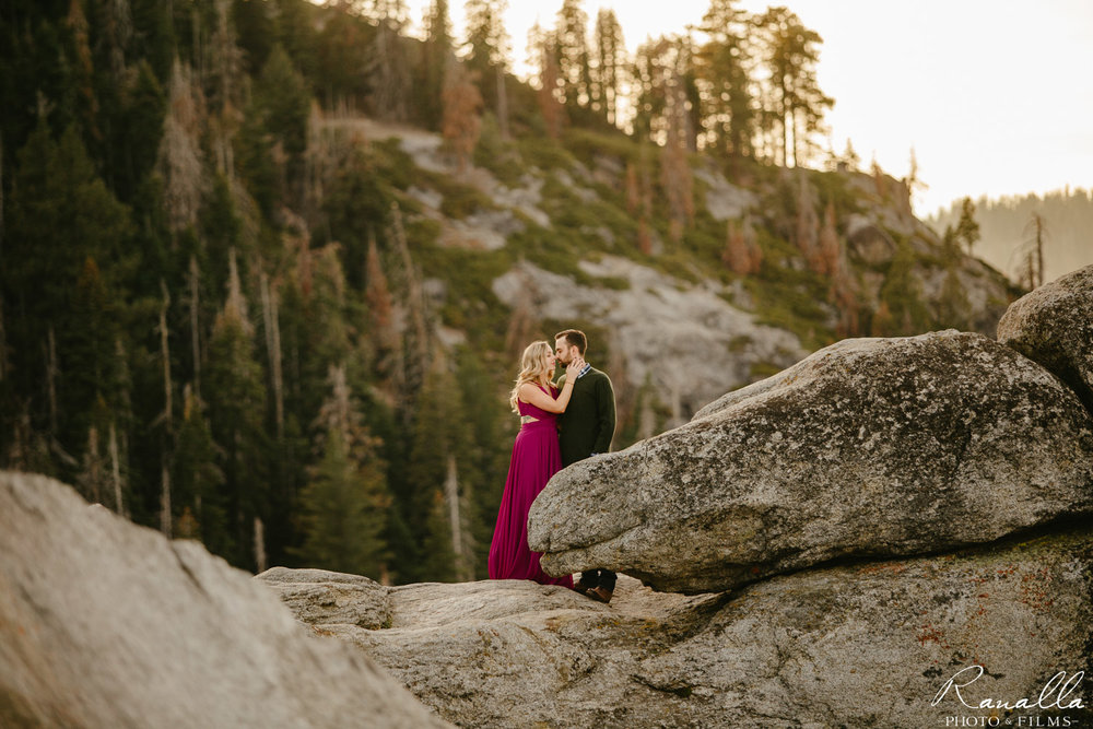 Yosemite Engagement Session-Glacier Point Engaegment Photos-Ranalla Photo & Films-13.jpg