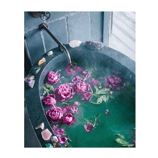 new year, new rituals. take time to yourself this weekend to reflect on your endings, celebrate your new beginnings, and appreciate all the beauty you've witnessed • stop by and stock up on all your ritual bath needs from cleansing kits x @ritualsaustin to bath salts + oils x @capbeautydaily, @kneippusa, and @drsingha