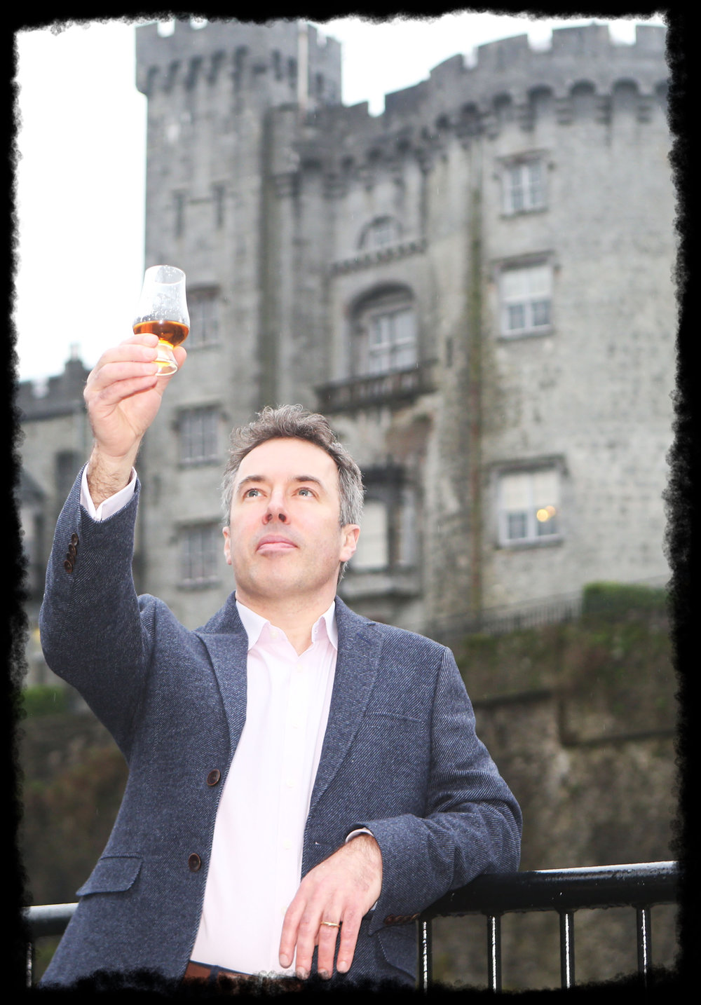Turtle Bunbury toasts the Kilkenny Whiskey Guild at its launch