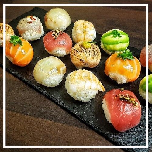 Source:facebook.com/pages/Dashi-Deli-Sushi-Noodle-Bar/141268195907956?sk=timeline