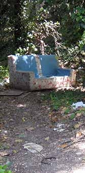 """Love nest"" sofa on Via Castel di Guido, not far from Via Aurelia in the distant outskirts of Rome. Photo by the authors."