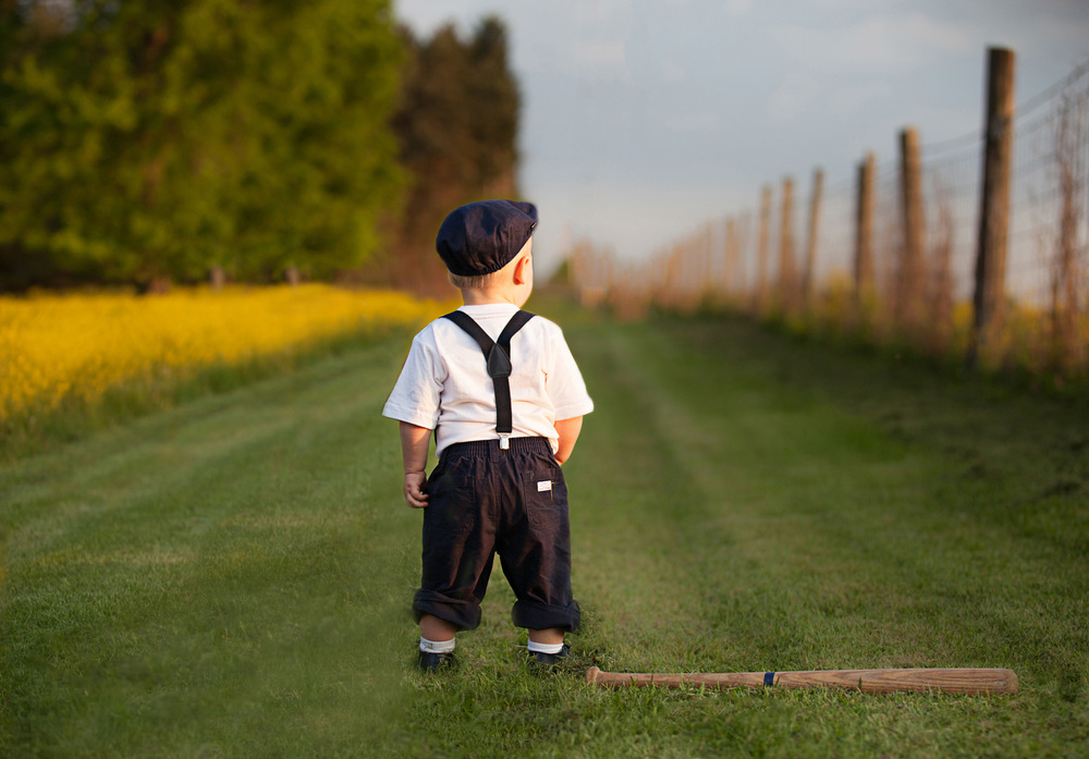 baby-photography-columbus-boy-baseball-field-vintage.jpg