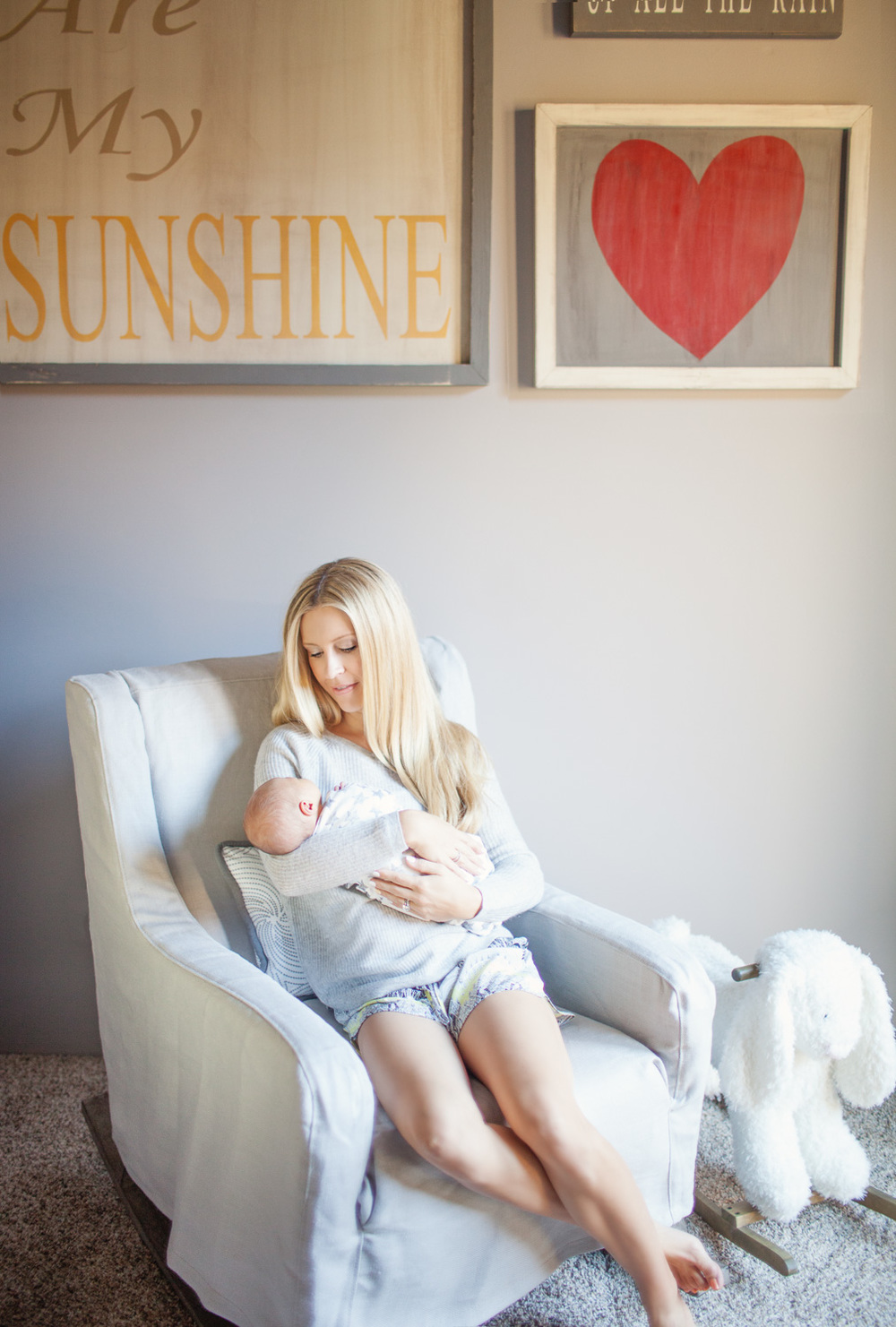 mother-baby-photography-arizona-nursery.jpg