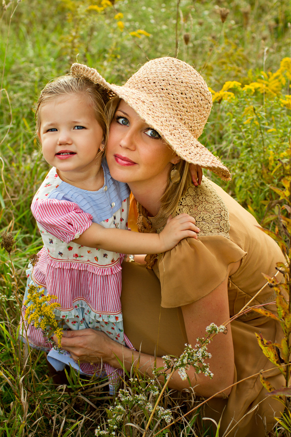 mother-dauther-photography-pittsburgh-field.jpg