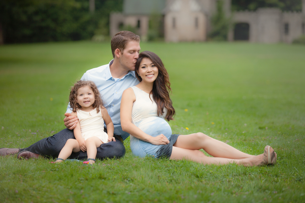 family-maternity-photography-cleveland-castle.jpg