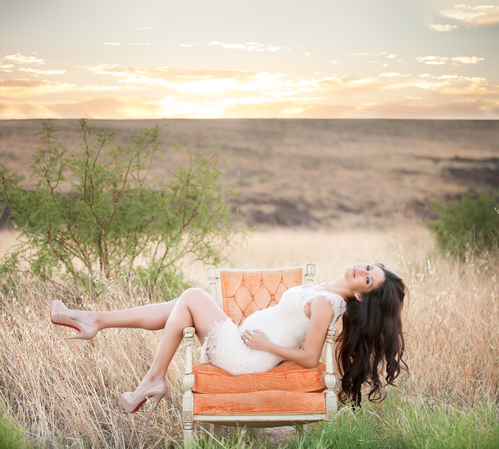 maternity-photography-arizona-field.jpg