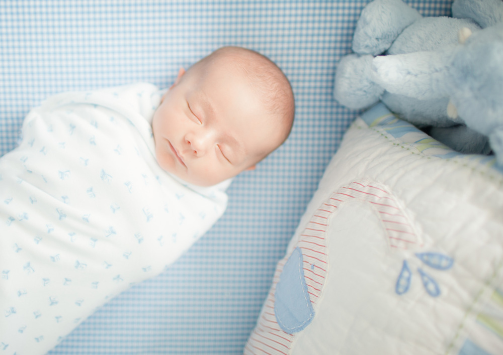 newborn-photography-nyc-baby-boy-crib.jpg