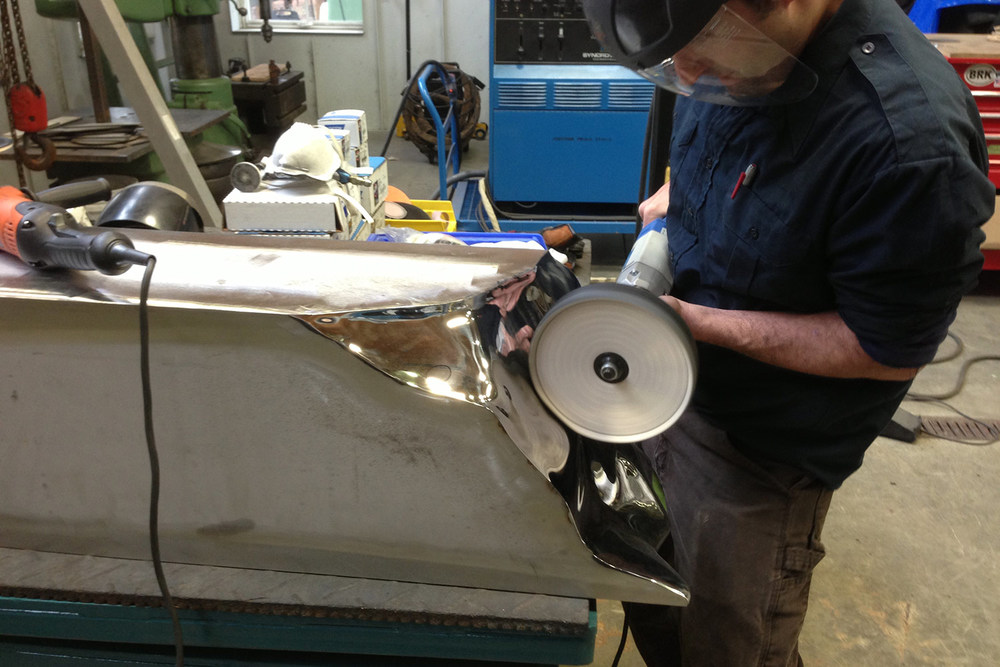 Polishing Vertical Ingot