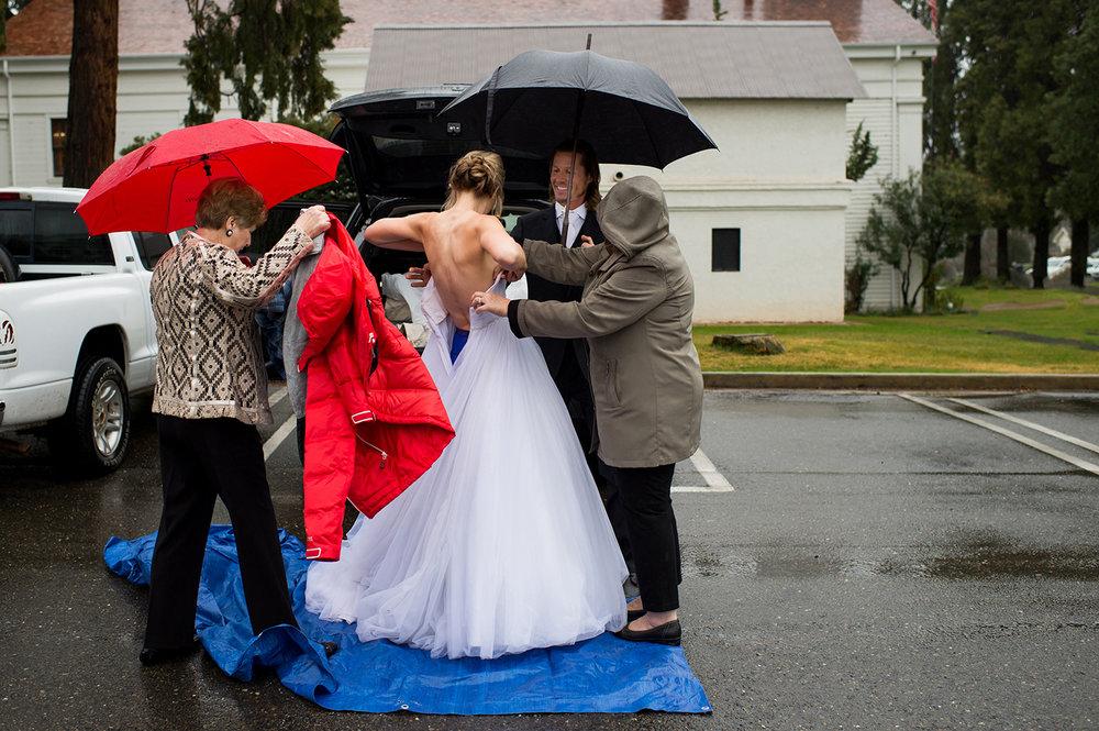 Theilen-Photo-parking-lot-bride.jpg