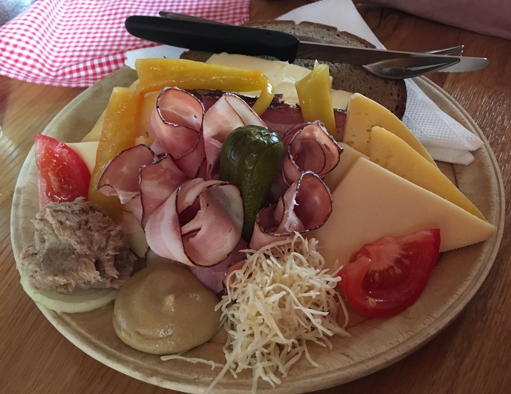 Cuisine Austrian Alps, Great Circle Route