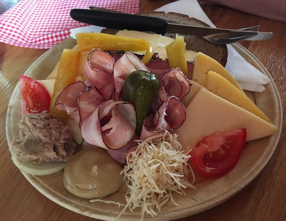 Cuisine Austrian Alps, Great Circle Route
