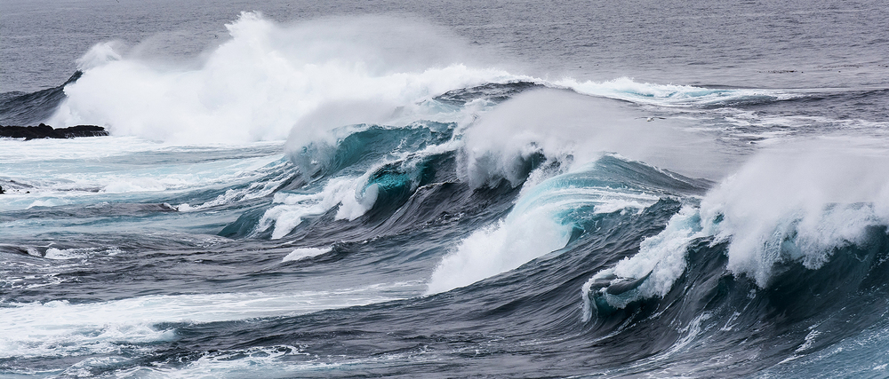 Pic. 4 : The angry seas off the coast of Garrapata State Park, California are intimidating as well as beautiful