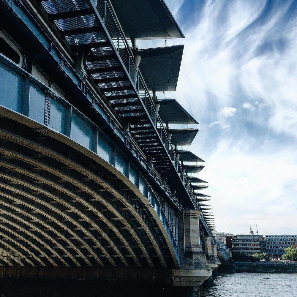 Chasing Bridges. #TPSExtreme @thephotosociety  (at Blackfriars Bridge)
