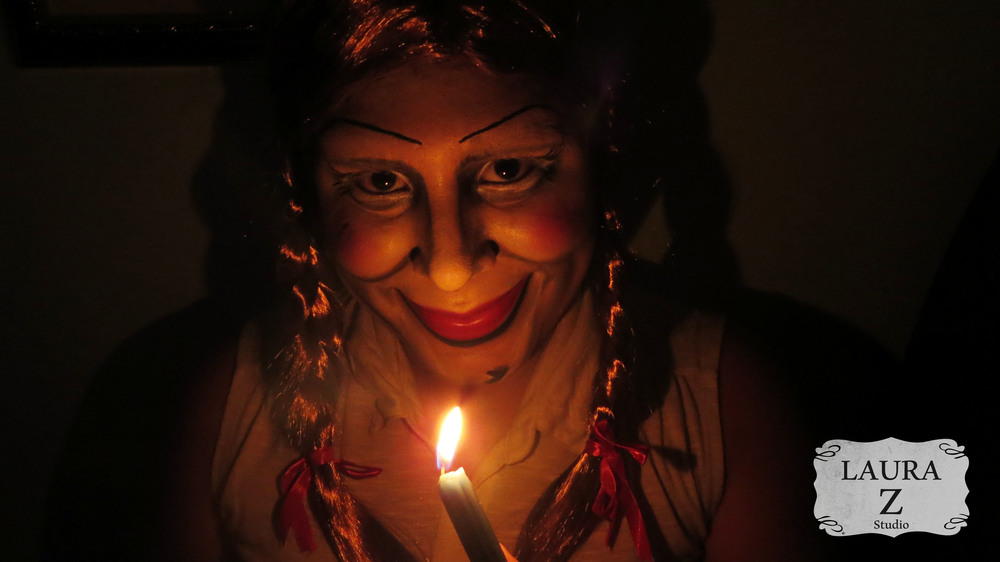 Maquillaje inspirado en Annabelle.