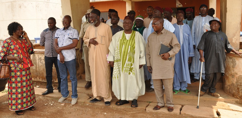 Imam Ashafa and Pastor James with the Chair Person of Riyom LG, the Vice Chairman of Kaura LG, the Commissioner of Lands and Survey, Plateau State, the Attah Aten of Ganawuri, the Deputy Surveyor General, Kaduna State in a group photograph with some members of the boundary adjustment committee from Kaduna and Plateau States during an advocacy visit in preparation for the pastoralists/farmers intervention in May, 2014