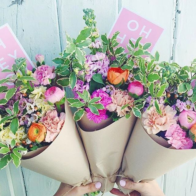 One bouquet is never enough! 🙃 beauties from @theflowerrun 💕