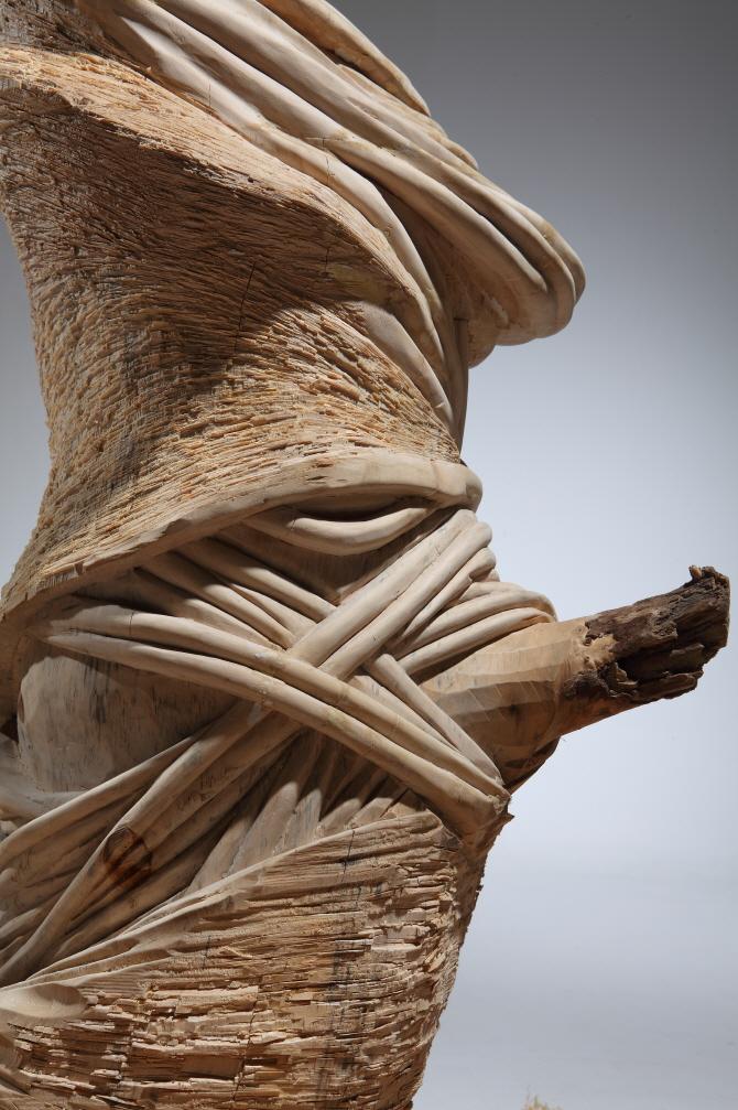 Twisted 비틀리다 (detail)