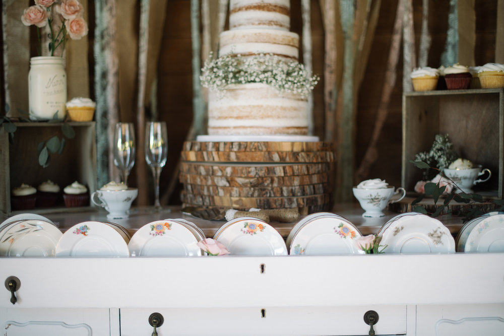 We can't help swooning over mismatched china and all these delicate details!