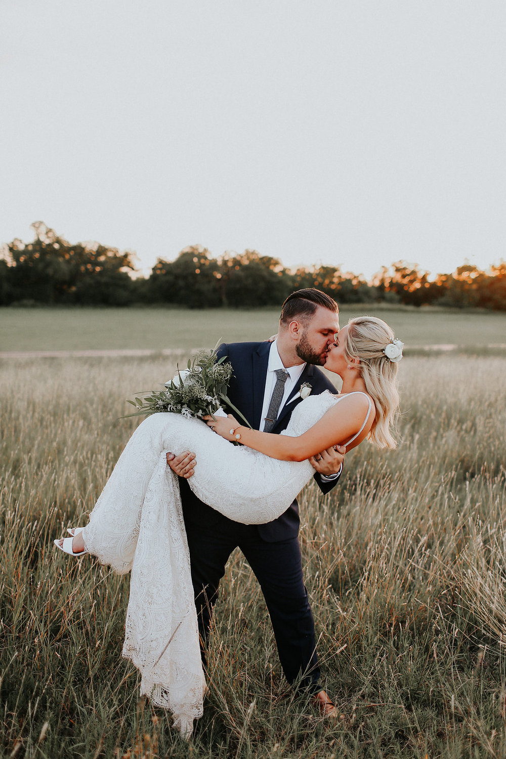 Congratulations Logan and Kinsey!   Photography: Melissa Marshall of http://www.melissamarshall.co/