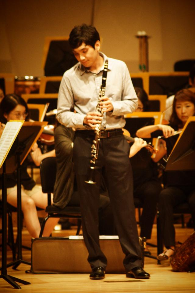 Playing the basset clarinet