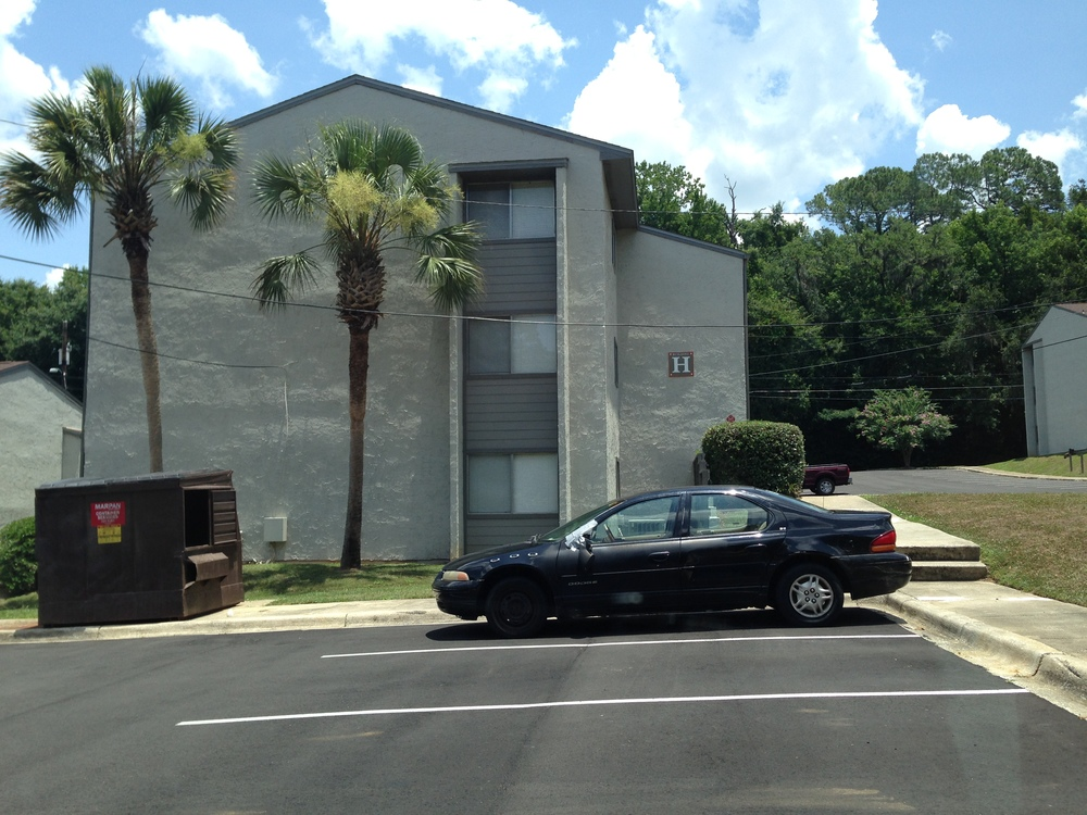 Since I was in Tallahassee, I drove by the old apartment I used to live while in grad school. Nostalgia...