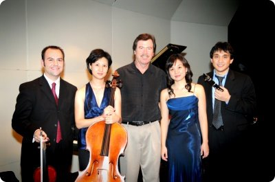 enhake with Peter Lieuwen during their residency at Texas A&M - College Station, TX in 2009