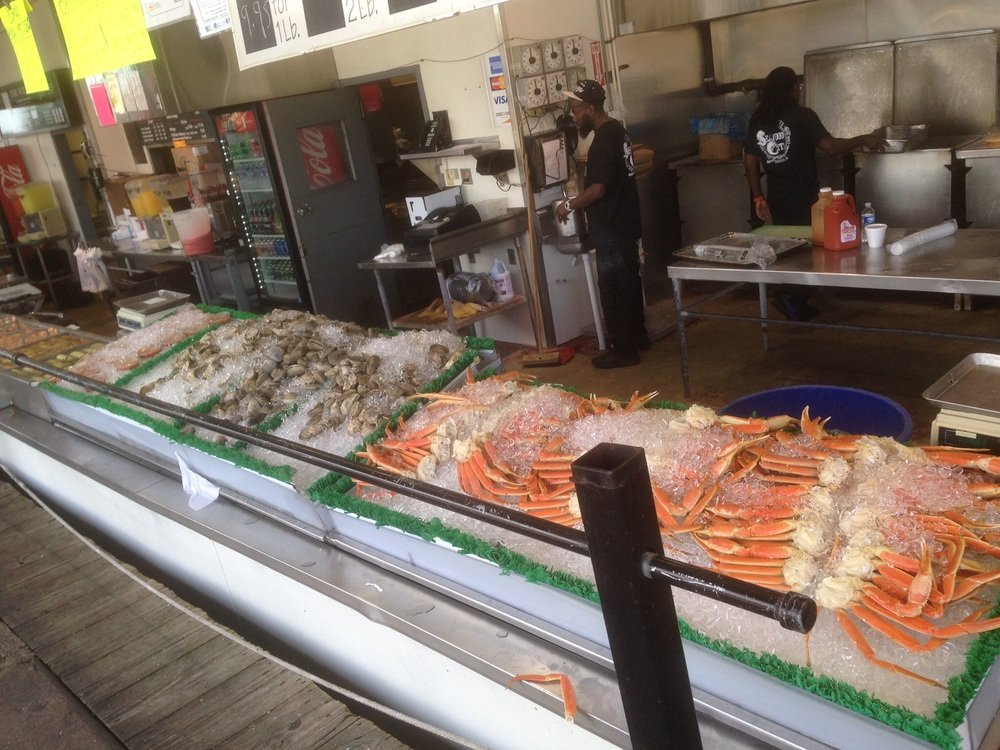 Seafood market at Southwest Washington Marina where you can enjoy some fresh and delicious food!