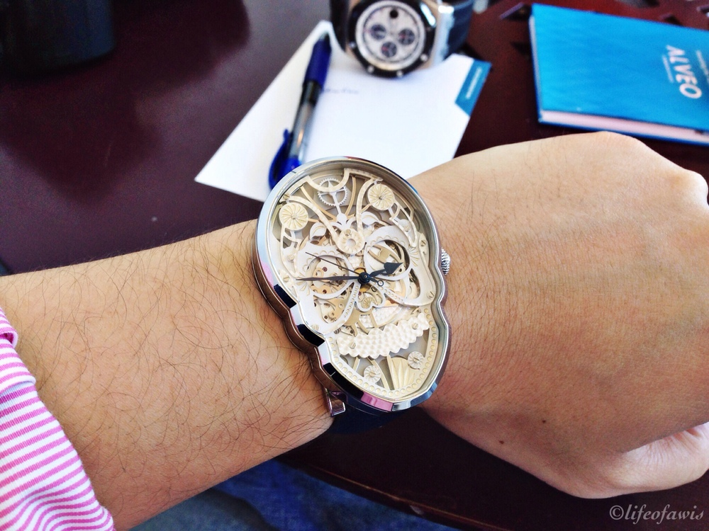 Wrist shot of the SKULL.