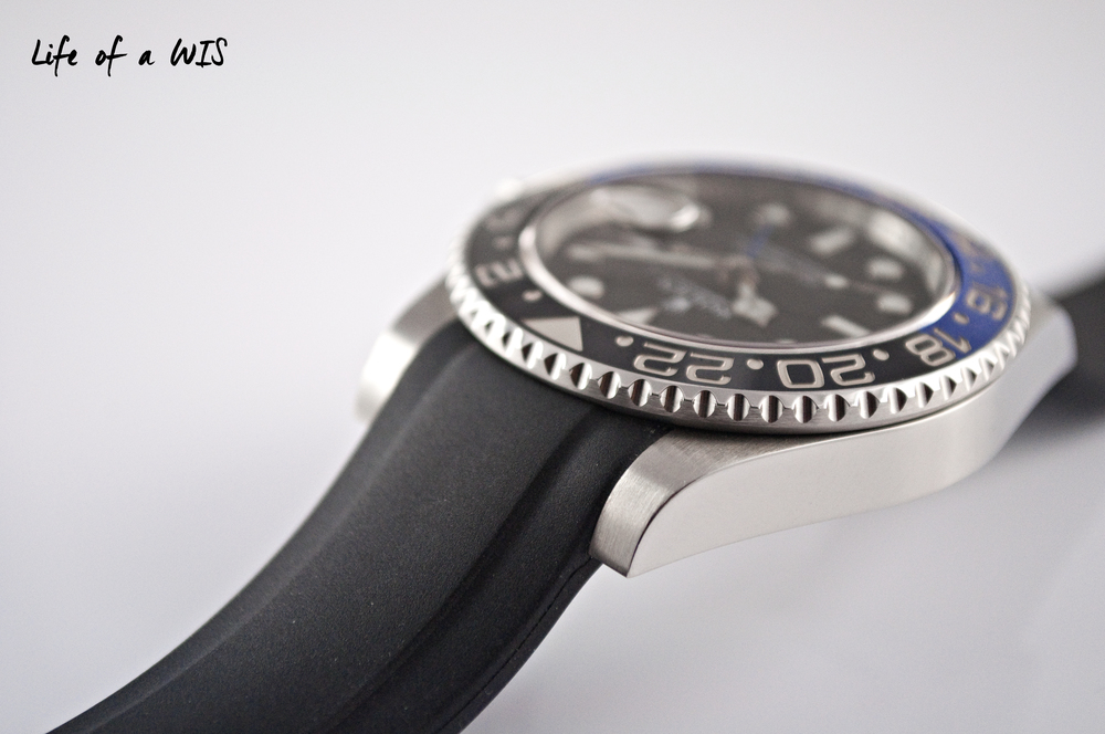 Very easy to install and fits perfectly on the Rolex!