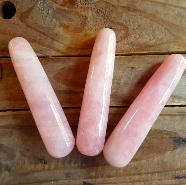 rose-quartz-dildo