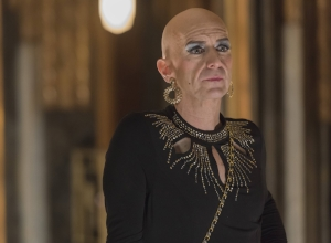 "AMERICAN HORROR STORY -- ""Be Our Guest"" Episode 512 (Airs Wednesday, January 13, 10:00 pm/ep) Pictured:  Denis O'Hare as Liz. CR: Prashant Gupta/FX"