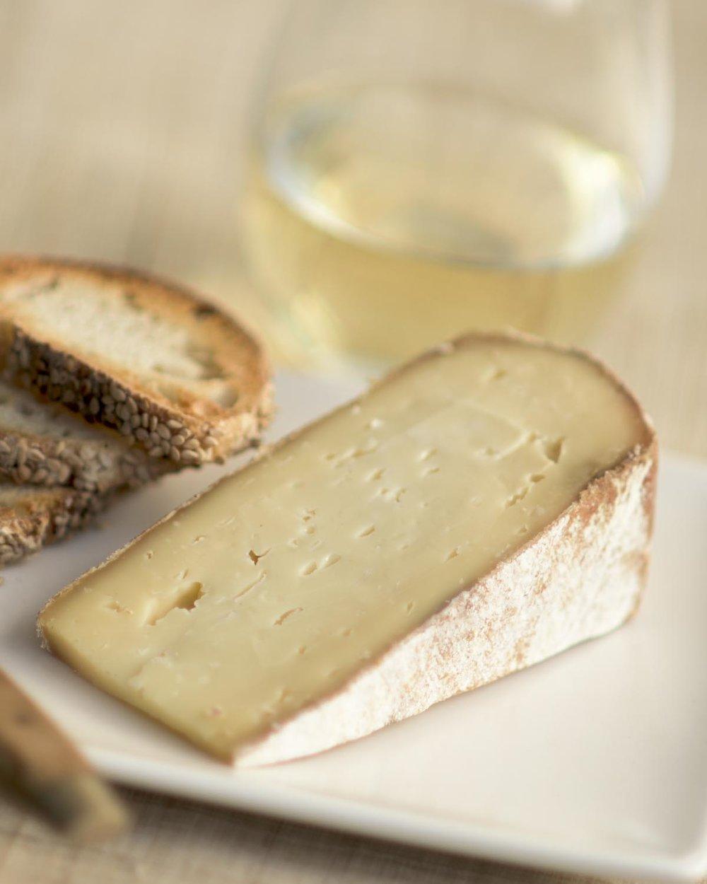 Raw-milk cheese