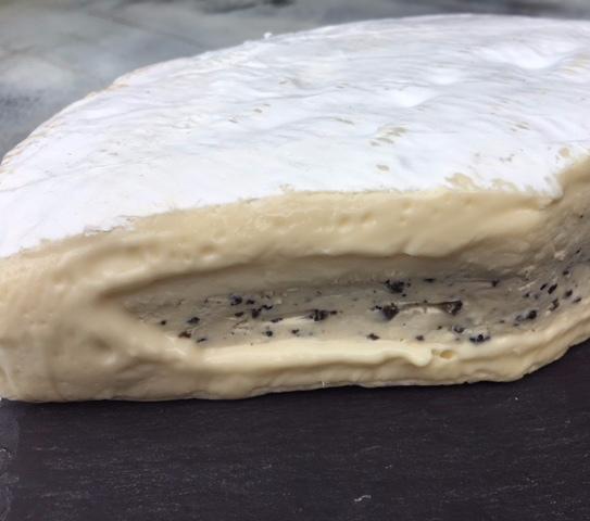 Brie à la Truffe