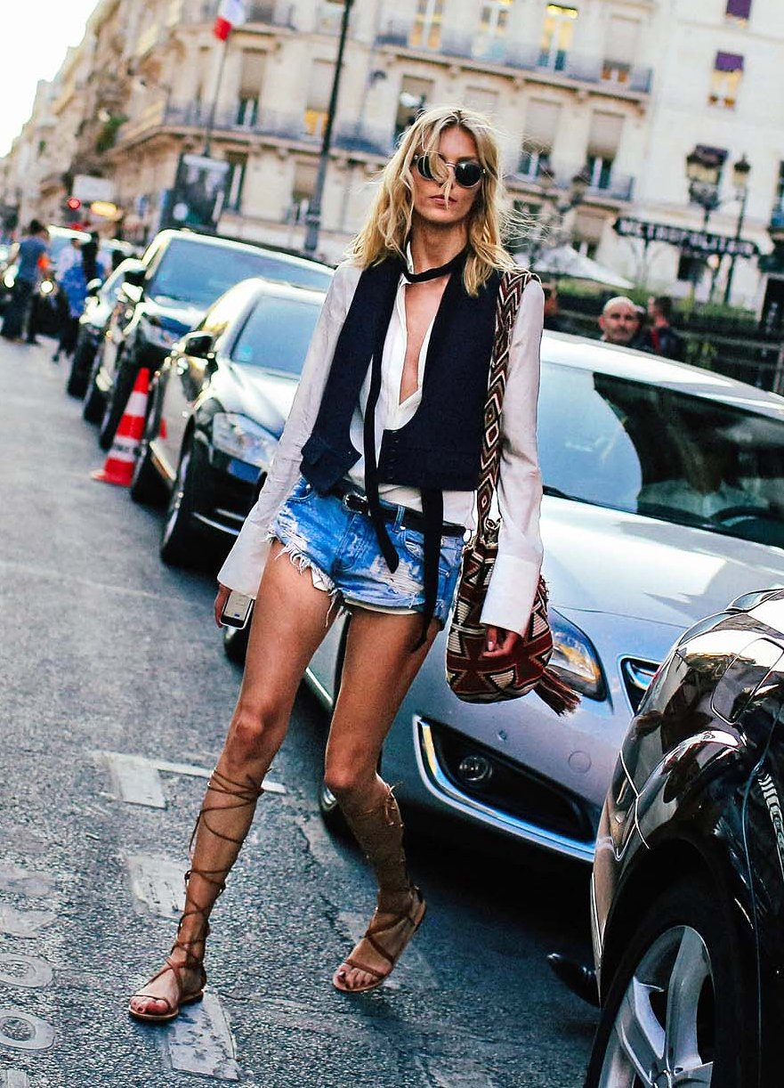 Ton snapped Polish model Anja Rubik during Paris Fashion Week.