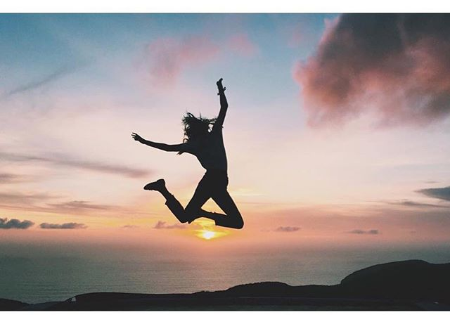 Jump for joy, #itsFriday 💞✌️bit.ly/HoskElsa 📸 @hoskelsa | #CollegeLivingMag