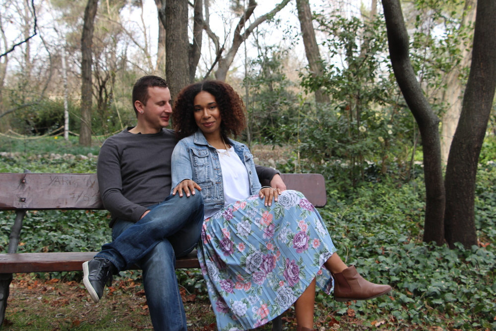 DAnni and Matt's Engagement shoot | Photo via  Siempregirando