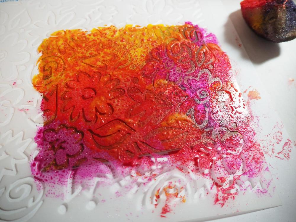 Sponging high flow acrylics on