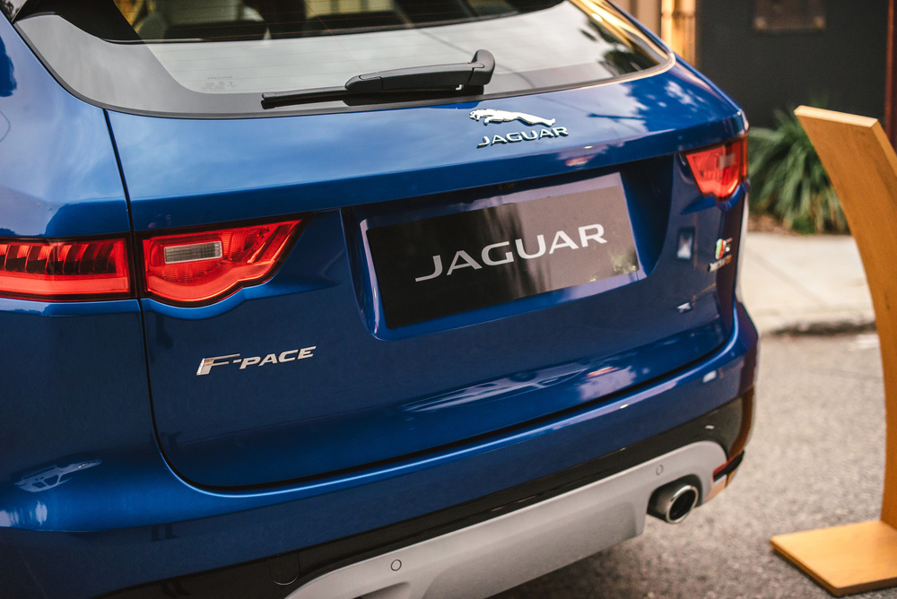 JAGUAR F-PACE at Carillon City presents THE ROYAL TENENBAUMS : We had an exclusive preview by Barbagallo of the brand new Jaguar F-Pace, which is cleverly inspired by the F-TYPE. A performance SUV with the DNA of a sports car makes it a certified future fashion classic.