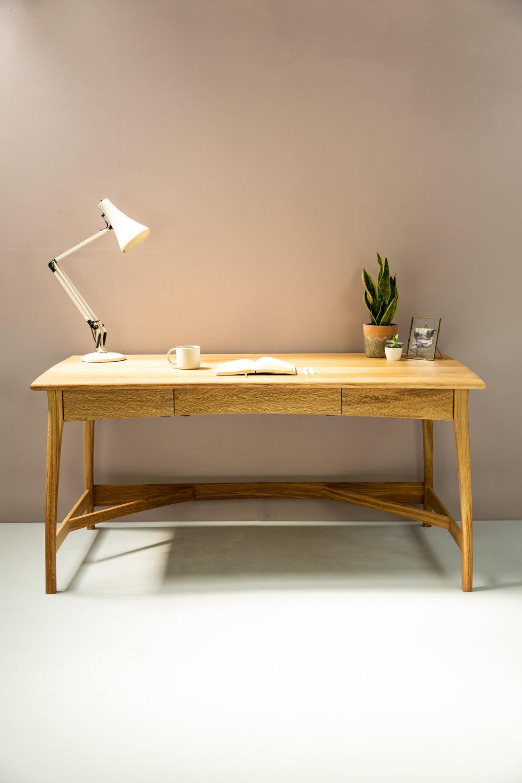 Tailler Desk