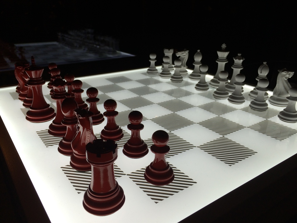 Stunning Purling Dark chess set