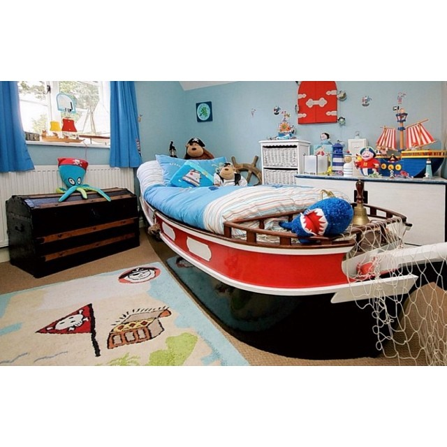 Are you having a dream of creating a great sailer maybe this could help.