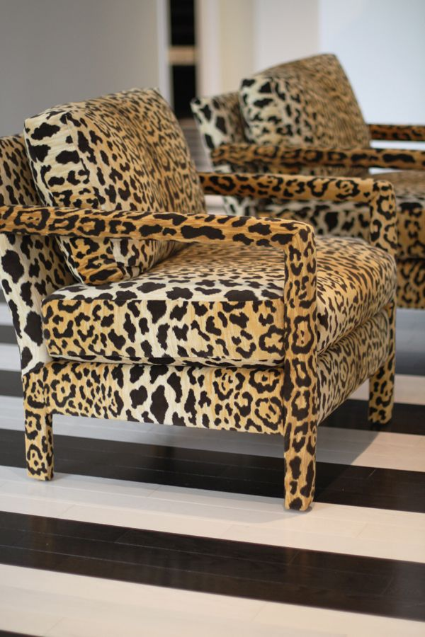 "Custom made chairs put in a ""simple"" environment, watch out and don´t overdo it !"