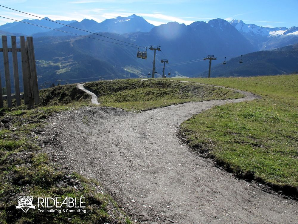 ridable_trailbuilding_Gerlos_2014-107_logo.jpg