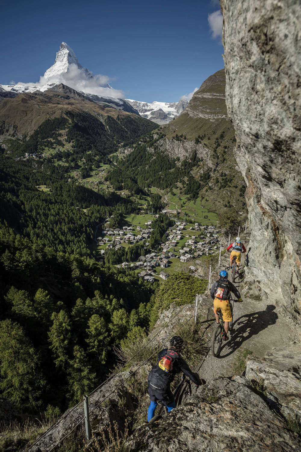 PERSKINDOL_SWISS_EPIC_stage5_WalkingPassage_Matterhorn_credit_APiX.jpg