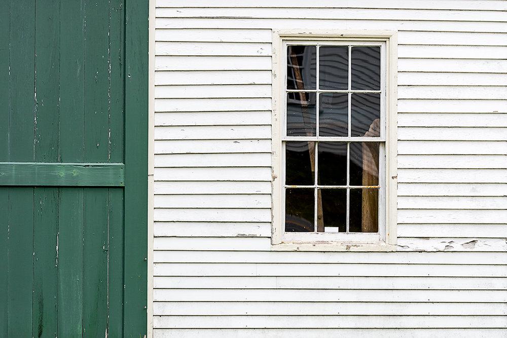 Harpswell Barn  (c) Bob Bicknell