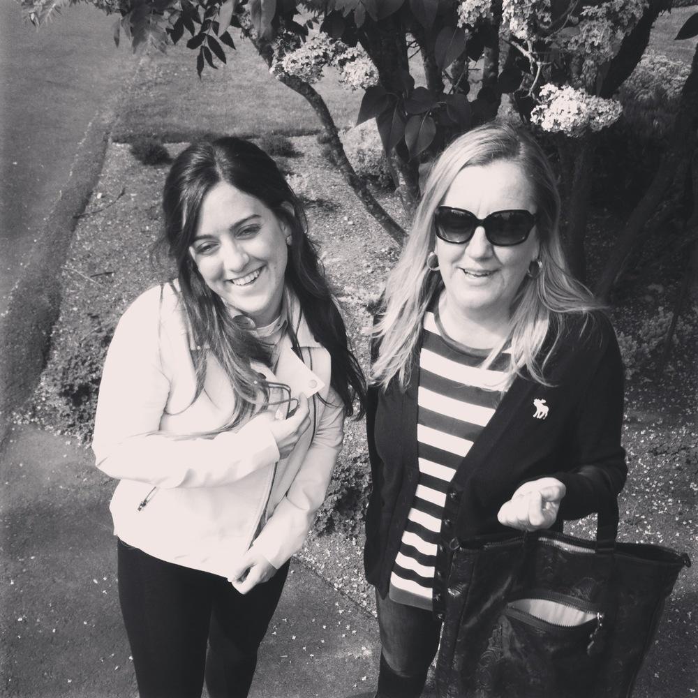 Una de mis favoritas con Ana, de paseo después de la comida de Domingo.