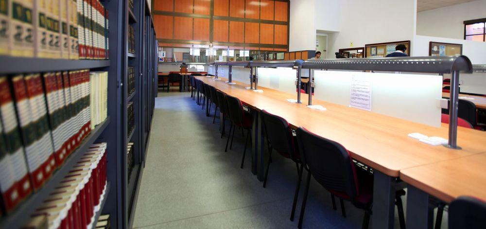 Libros Biblioteca Grande_result.jpg
