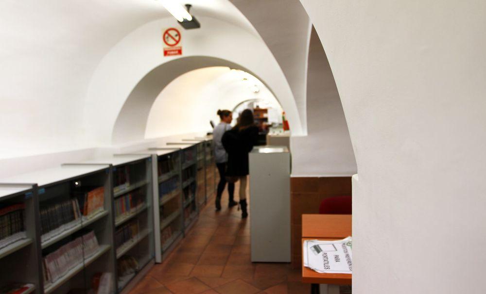 Hemeroteca estudiantes libros_result.jpg