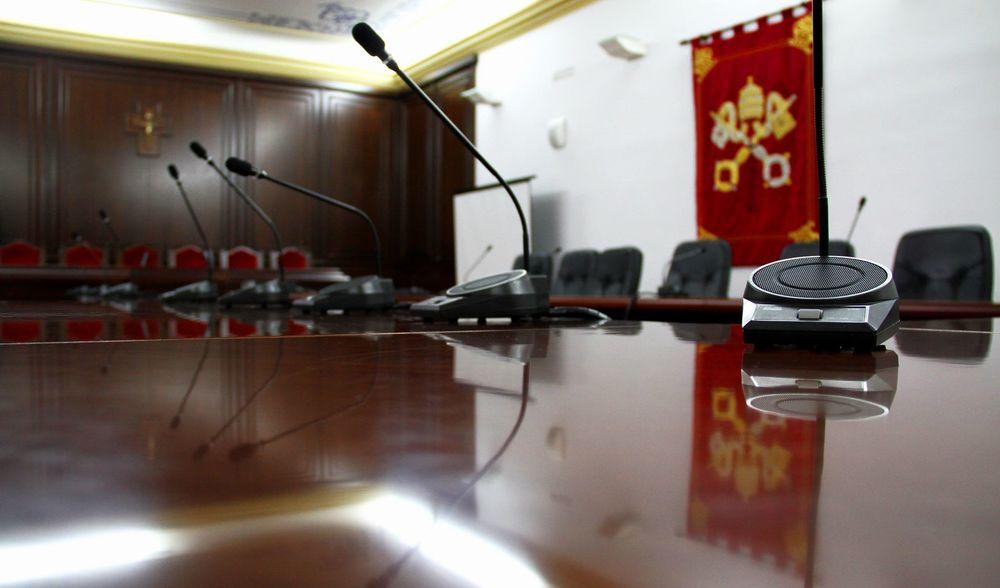 microfones sala capitular_result.jpg